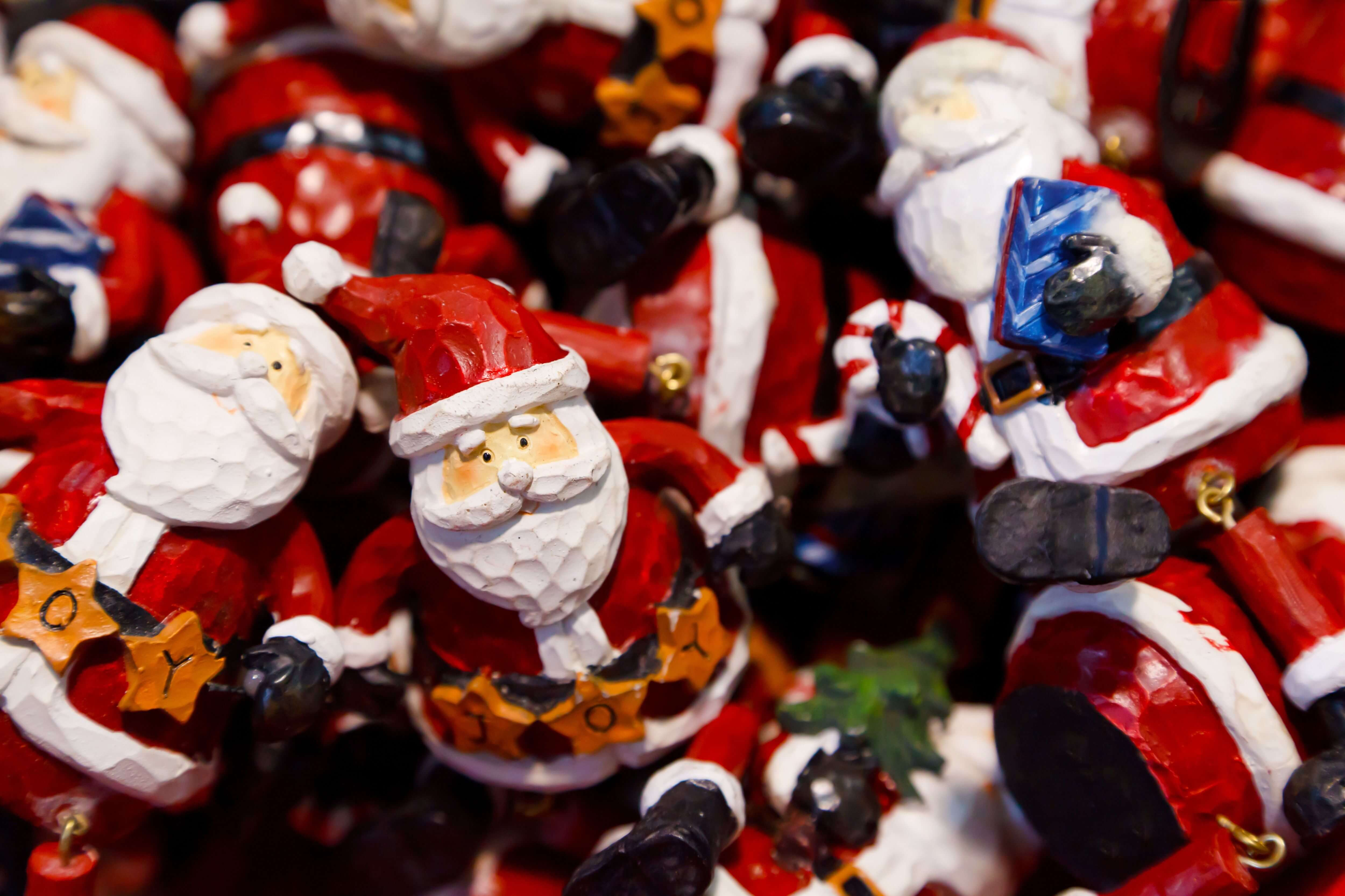 Ho! Ho! Ho! It's the Holiday Eating Season . . . but how do I eat right for my  teeth?